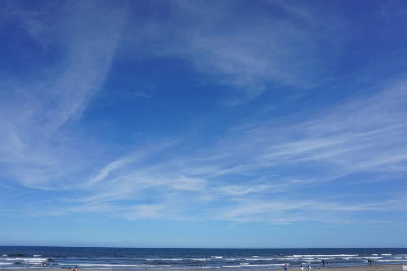 今日の海、快晴!素敵な青空まで歩いて4分♪